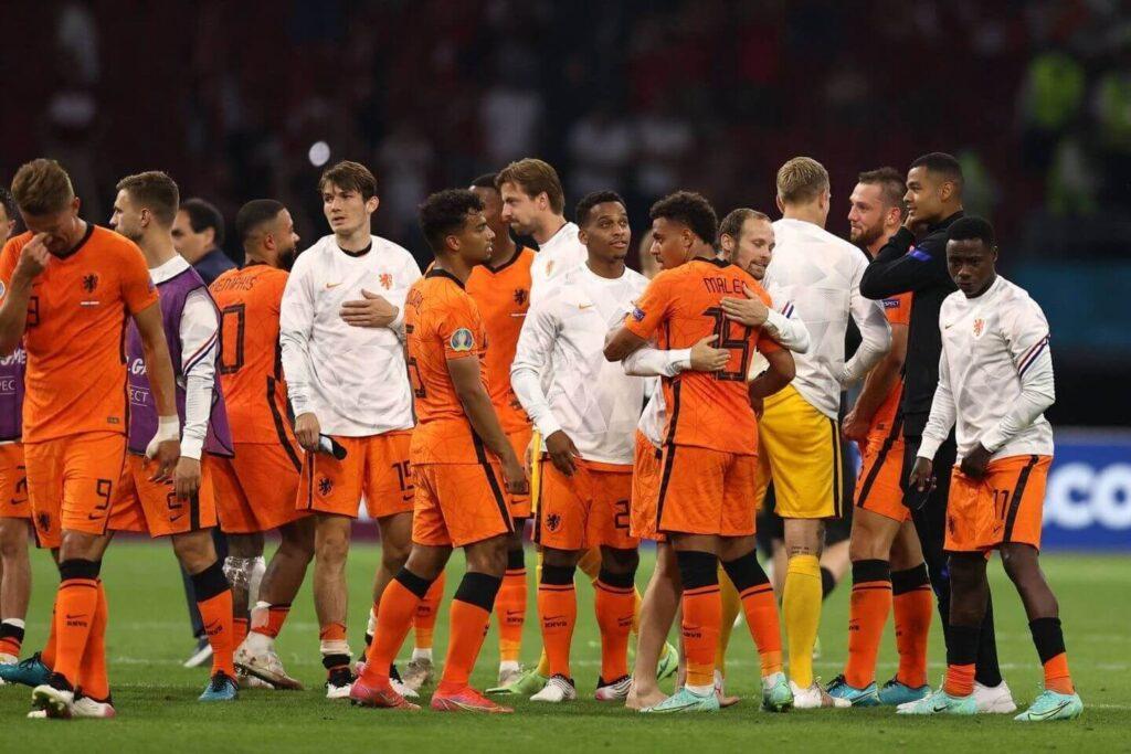 Les Pays-Bas remportent les huitièmes de finale avec une victoire sur l'Autriche